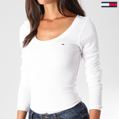 /achat-t-shirts-manches-longues/tommy-hilfiger-jeans-tee-shirt-manches-longues-femme-original-4708-blanc-138302.html