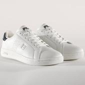/achat-baskets-basses/fila-baskets-crosscourt-2-low-1010274-98f-white-dress-blues-140399.html