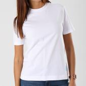 /achat-t-shirts/calvin-klein-tee-shirt-femme-monogram-logo-badge-boxy-7962-blanc-142346.html