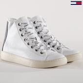 /achat-baskets-montantes/tommy-hilfiger-jeans-baskets-light-leather-mid-em0em00104-blanc-143710.html