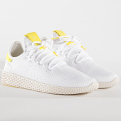 /achat-baskets-basses/adidas-baskets-femme-tennis-hu-pharrell-williams-bd7769-footwear-white-144141.html