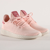 /achat-baskets-basses/adidas-baskets-femme-tennis-hu-pharrell-williams-aq0988-icey-pink-chalk-white-144671.html