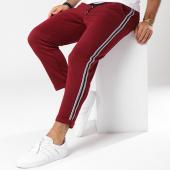/achat-pantalons-carreaux/frilivin-pantalon-jogging-bandes-brodees-1377-bordeaux-blanc-noir-144927.html