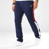/achat-pantalons-joggings/fila-pantalon-jogging-bande-brodee-nolin-682357-bleu-marine-bordeaux-blanc-145260.html
