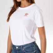 https://www.laboutiqueofficielle.com/achat-t-shirts/tee-shirt-femme-active-icons-dh2980-blanc-145492.html