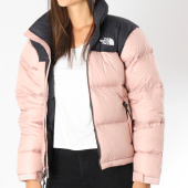 The North Face - Doudoune Femme 1998 Retro 3JQR Rose Noir d6965520769