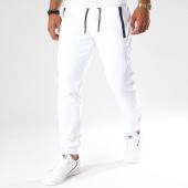 /achat-pantalons-joggings/antony-morato-pantalon-jogging-mmfp00186-blanc-147990.html