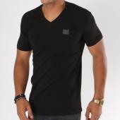 /achat-t-shirts/antony-morato-tee-shirt-mmks01416-noir-148003.html
