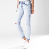 https://www.laboutiqueofficielle.com/achat-jeans/jean-slim-dechire-femme-h192-bleu-wash-148155.html