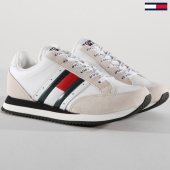 /achat-baskets-basses/tommy-hilfiger-jeans-baskets-casual-retro-em0em00123-white-148783.html