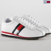 /achat-baskets-basses/tommy-hilfiger-jeans-baskets-femme-retro-flag-en0en00271-white-148786.html