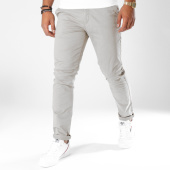 /achat-chinos/jack-and-jones-pantalon-chino-cody-spencer-gris-148929.html
