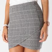 /achat-jupes/only-jupe-femme-vigga-blanc-noir-148910.html