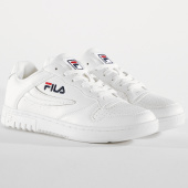 /achat-baskets-basses/fila-baskets-femme-fx100-low-white-149236.html