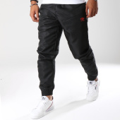 /achat-pantalons-joggings/umbro-pantalon-jogging-616330-60-noir-149479.html