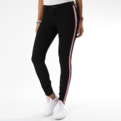 /achat-pantalons-carreaux/only-pantalon-femme-avec-bandes-evie-noir-149872.html