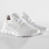 /achat-baskets-basses/adidas-baskets-femme-swift-run-b37719-footwear-white-crystal-white-150697.html