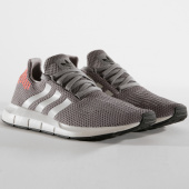 /achat-baskets-basses/adidas-baskets-swift-run-b37728-grey-core-black-gyre-one-150699.html