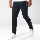 /achat-jeans/aarhon-jean-slim-troue-avec-bandes-a98-noir-150888.html
