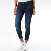 /achat-jeans/guess-jean-skinny-femme-curvex-bleu-denim-151418.html