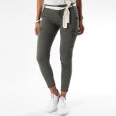 https://www.laboutiqueofficielle.com/achat-pantalons-cargo/pantalon-cargo-femme-cole-vert-kaki-152407.html