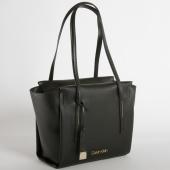 /achat-sacs-sacoches/calvin-klein-sac-a-main-femme-frame-medium-shopper-4596-noir-152931.html