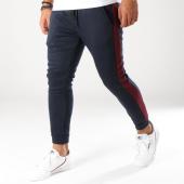 /achat-pantalons-joggings/aarhon-pantalon-jogging-avec-bandes-8876-bleu-marine-bordeaux-153464.html