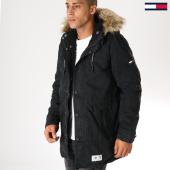 /achat-parkas/tommy-hilfiger-jeans-parka-fourrure-lined-5009-noir-153494.html