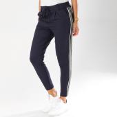 https://www.laboutiqueofficielle.com/achat-jeans-pantalons/pantalon-femme-avec-bandes-pop-trash-bleu-marine-blanc-dore-154429.html