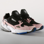 /achat-baskets-basses/adidas-baskets-femme-falcon-b28126-core-black-light-pink-155155.html