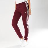 https://www.laboutiqueofficielle.com/achat-pantalons-joggings/pantalon-jogging-femme-cuffed-dh3147-bordeaux-155197.html