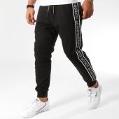 /achat-pantalons-joggings/antony-morato-pantalon-jogging-avec-bandes-mmfp00193-noir-155281.html