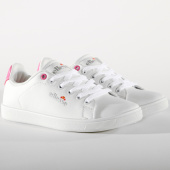 /achat-baskets-basses/ellesse-baskets-femme-erika-el829410-02-white-passion-155597.html