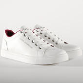 /achat-baskets-basses/guess-baskets-fmlss4ele12-white-155830.html