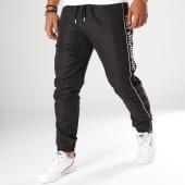 /achat-pantalons-joggings/huf-pantalon-jogging-worldwide-noir-blanc-155873.html