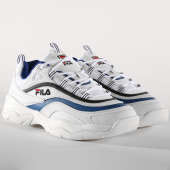/achat-baskets-basses/fila-baskets-ray-low-1010561-01u-white-electric-blue-black-156274.html