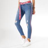 https://www.laboutiqueofficielle.com/achat-jeans/jean-ankle-femme-carmen-avec-bandes-et-ceinture-bleu-denim-156479.html