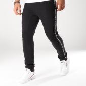 /achat-pantalons-joggings/deeluxe-pantalon-jogging-avec-bandes-lewis-noir-157857.html