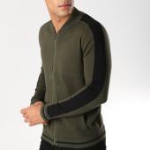 /achat-vestes/uniplay-sweat-zippe-avec-bandes-um-3-vert-kaki-158040.html