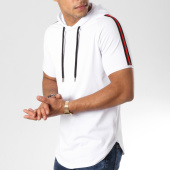 /achat-t-shirts-capuche/lbo-tee-shirt-capuche-oversize-avec-bandes-noir-et-rouge-536-blanc-158756.html
