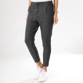 /achat-pantalons-carreaux/vero-moda-pantalon-femme-a-rayures-mr-loose-gris-158837.html