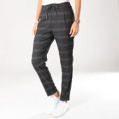 /achat-pantalons-carreaux/vero-moda-pantalon-carreaux-femme-eva-mr-loose-gris-anthracite-chine-159377.html