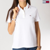 /achat-polos-manches-courtes/tommy-hilfiger-jeans-polo-manches-courtes-femme-classics-blanc-159645.html