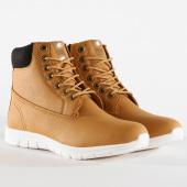 /achat-bottes-boots/urban-classics-boots-runner-tb1704-camel-black-white-159840.html