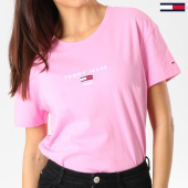 /achat-t-shirts/tommy-hilfiger-jeans-tee-shirt-femme-corp-logo-rose-160919.html