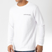 /achat-t-shirts-manches-longues/calvin-klein-tee-shirt-manches-longues-institutional-chest-logo-blanc-162076.html