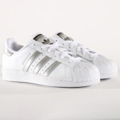 /achat-baskets-basses/adidas-baskets-femme-superstar-aq3091-footwear-white-silver-metallic-162880.html