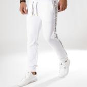/achat-pantalons-joggings/versace-jeans-pantalon-jogging-tup315-logo-tape-a2gtb1fi-blanc-163807.html