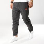/achat-pantalons-joggings/umbro-pantalon-jogging-696380-60-gris-anthracite-164200.html