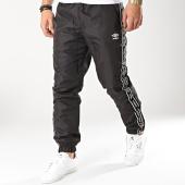 /achat-pantalons-joggings/umbro-pantalon-jogging-avec-bandes-authentic-696660-60-noir-blanc-166016.html